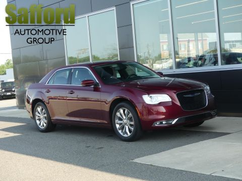 Pre-Owned 2019 Chrysler 300 Touring L AWD
