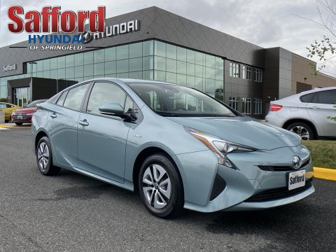 Pre-Owned 2018 Toyota Prius Three (Natl)